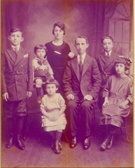 Wassersteins~1919_reduced image