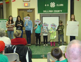 4-H INTERNATIONAL NIGHT 2-1- 2013 024