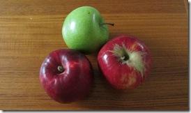 Farmers market apples_reduced