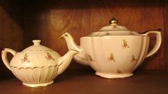 5 - Pink teapots