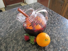 Sangria with oranges and strawberries_reduced