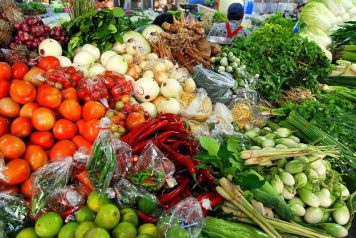 Thai_market_vegetables_01